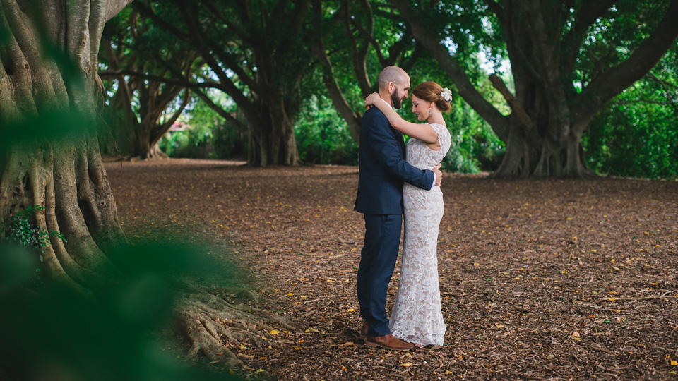 New Zealand Wedding Photographers, Fox and Robot photography.